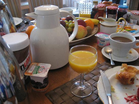 Chateau de Damigny: Breakfast