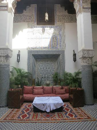 Riad d'Or Hotel: Lovely relaxing lounge