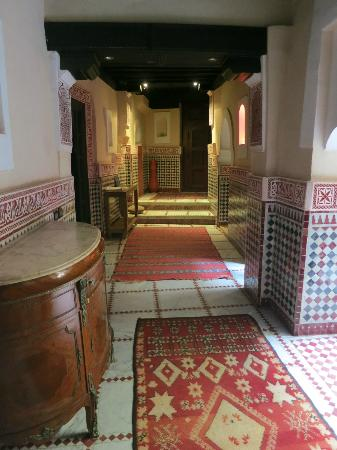 Riad d'Or: Entrance corridor