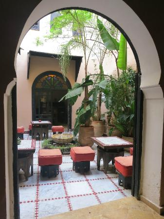 Riad d'Or: courtyard garden