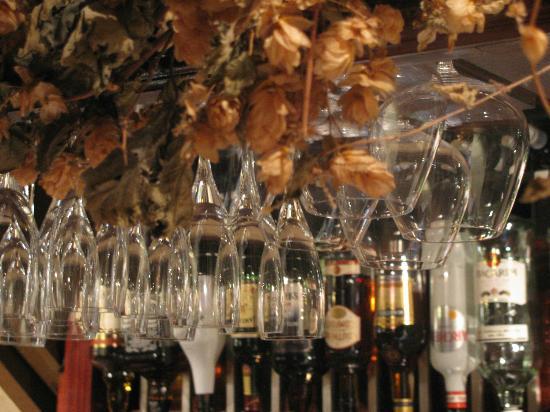 Meadow Inn & Steakhouse: Cheers!