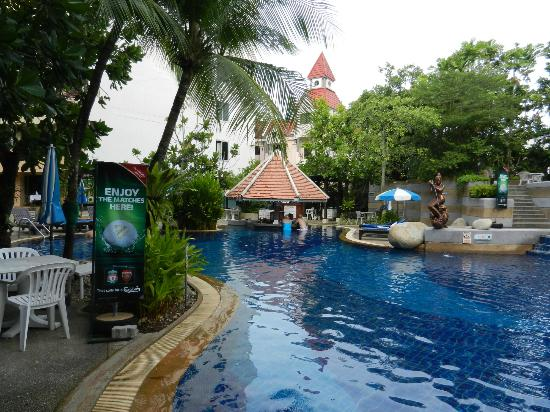 The Royal Paradise Hotel & Spa : Pool, with Pool Bar