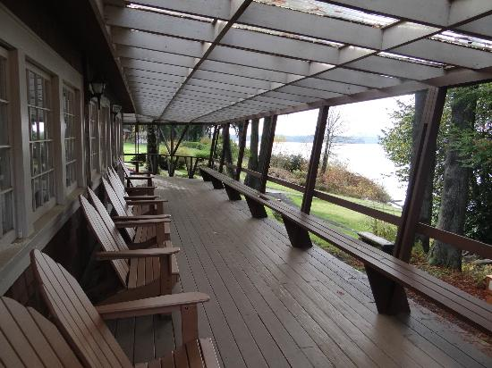 Lake Quinault Lodge: Boathouse Deck