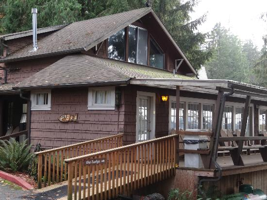 Lake Quinault Lodge: Boathouse Building