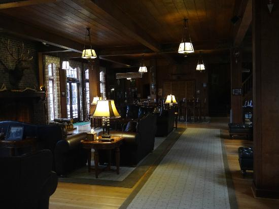 ‪‪Lake Quinault Lodge‬: Lobby Area