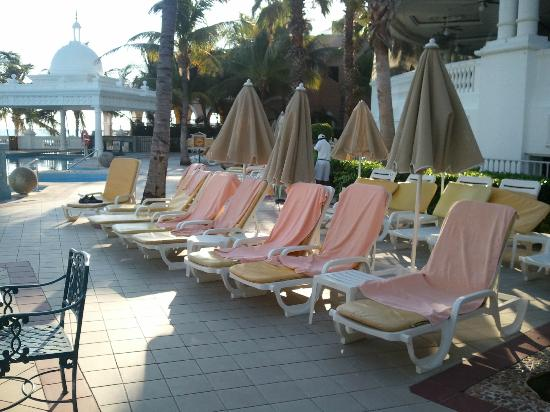 Hotel Riu Palace Las Americas: our beach chairs every day