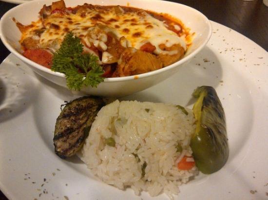 Zem Han Mediterranean Restaurant: Chicken in a Crock Brawl (Turkish style)