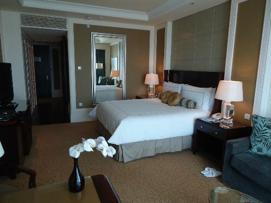 Four Seasons Hotel Macau, Cotai Strip: Guest room
