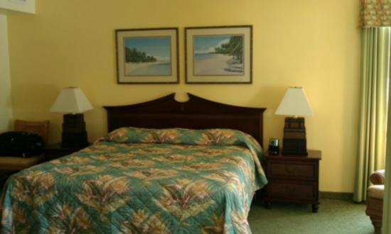 Wyndham Royal Sea Cliff: Master Bedroom