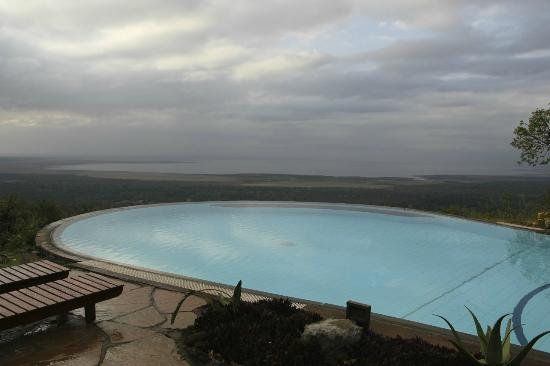 Lake Manyara Serena Lodge: views over the riff valley NP