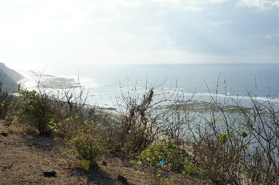 Villa Bidadari Nusa Dua: Cliff