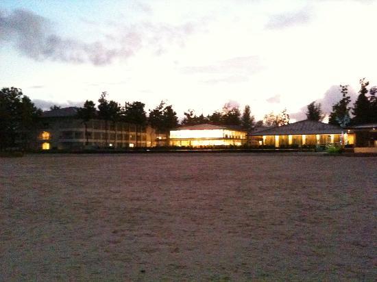 Century Langkasuka Resort: L'ensemble de la plage