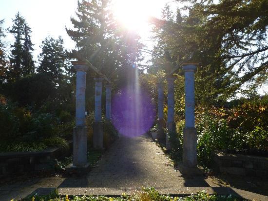 Entrance To The Gardens Picture Of Evergreen Arboretum Gardens Everett Tripadvisor