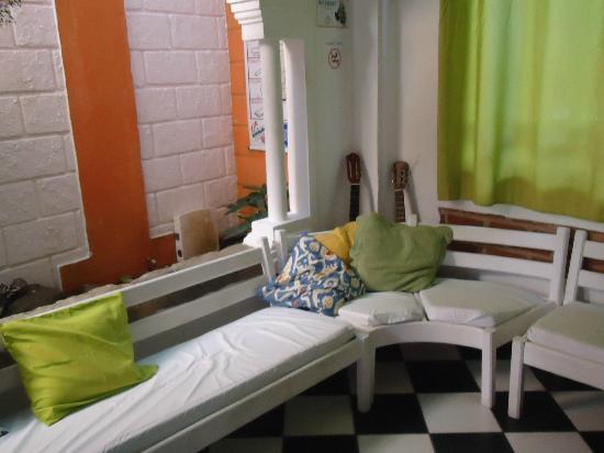 Arraial d'Ajuda Hostel: sala de star