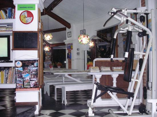 Arraial d'Ajuda Hostel: aparelho de musculação