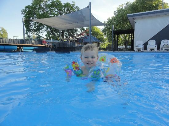 Hastings Top 10 Holiday Park: Awesome swimming pool