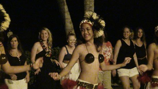 Conrad Bora Bora Nui: Dancers At Dinner Show