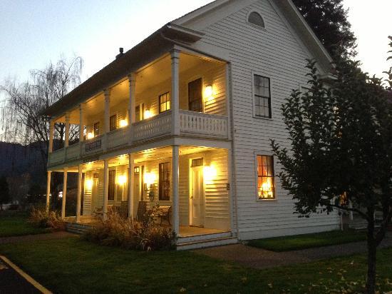 Wolf Creek Inn