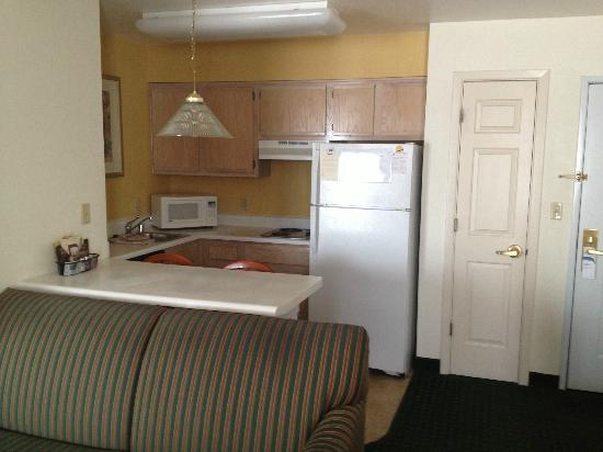 Residence Inn Phoenix Airport: Kitchen Area