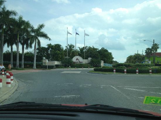 Seven Stars Resort & Spa: Seven Stars Roundabout