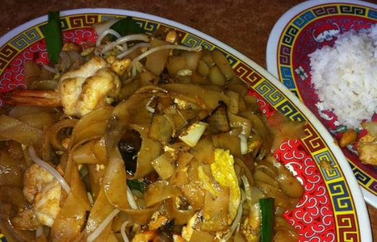 Spangled Drongo Restaurant: Pad Thai with prawns and chicken
