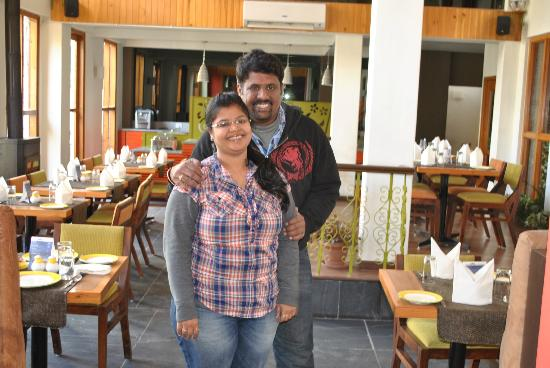 Honeymoon Inn Manali: Inside Dining Areas