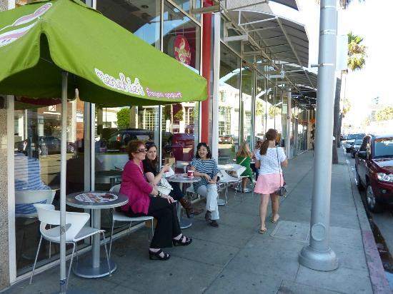 ビバリーヒルズ, カリフォルニア, フローズン・ヨーグルトとアイスクリームの店。人気店である。
