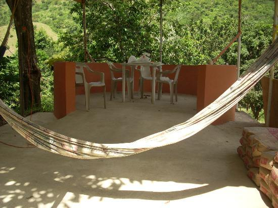 Cabanas El Rucio: Hammocks and table games area.