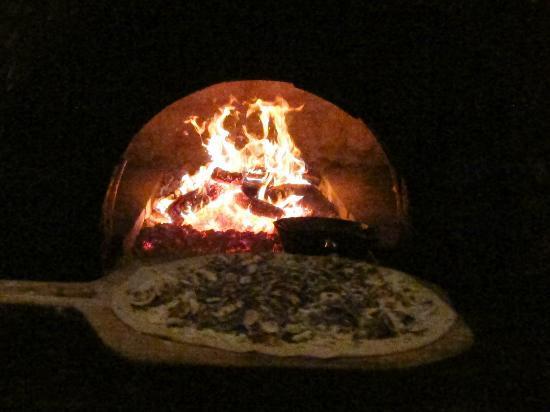 Full of Life Flatbread: Oven Fired pizza/flatbread