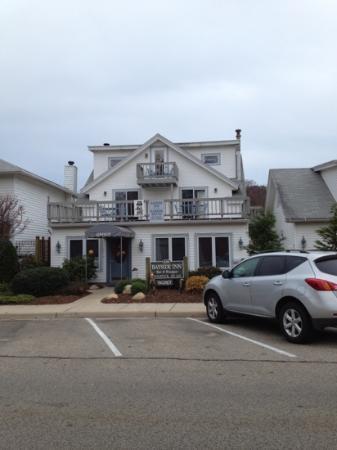 Bayside Inn: from waters street in November.
