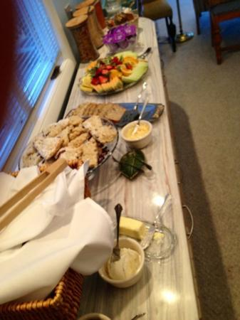Bayside Inn: really nice breakfast spread