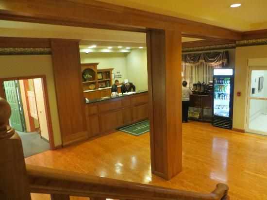Country Inn & Suites By Carlson, BWI Airport (Baltimore): Lobby