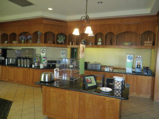 Country Inn & Suites By Carlson, BWI Airport (Baltimore): Dining Area for Continental Breakfast