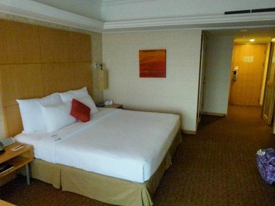 Novotel Singapore Clarke Quay: Premier Exec Bedroom