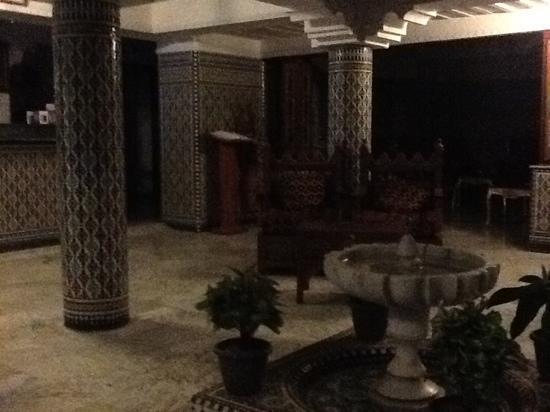 فندق البيت المغربي بمراكش: hotel lobby 