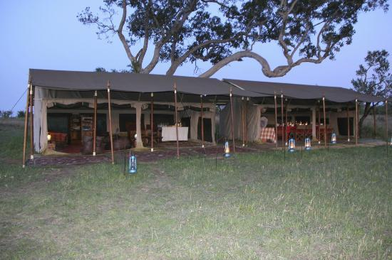 Serengeti Safari Camp, Nomad Tanzania: lounge and dinning tents
