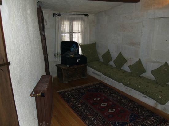 Sultan Cave Suites: Bedroom 