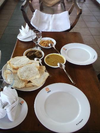 Rest House Matara : Simple yet tasty breakfast
