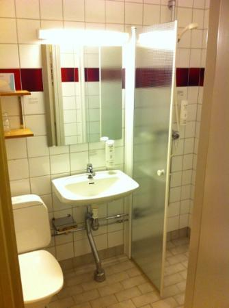 Scandic Bromma: Bathroom