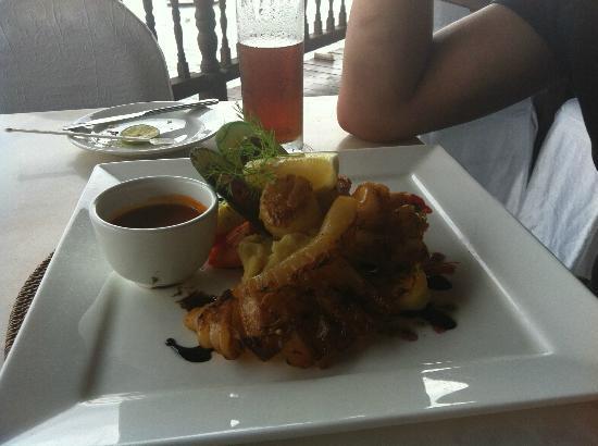 Berjaya Langkawi Resort - Malaysia: Hubby's Seafood meal