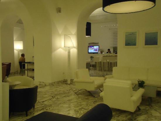 Hotel Mediterraneo Sorrento: Redecorated nightly