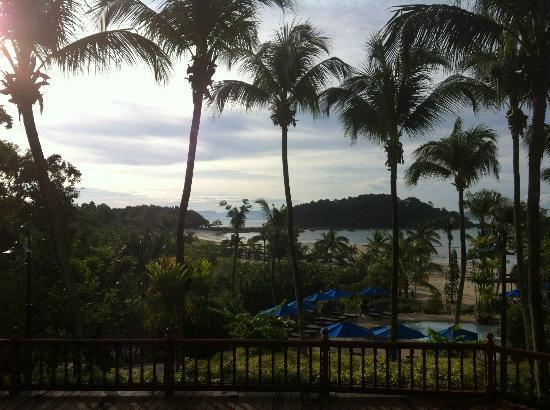 برجايا لانجكاوي ريزورت - ماليزيا: View from Dayang Cafe in the morning 