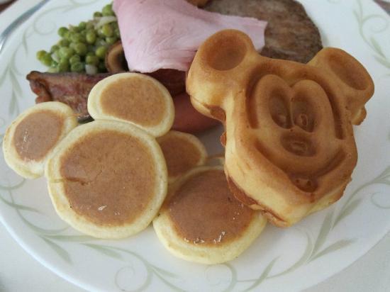 Disney's Hollywood Hotel: Disneyland Hotel