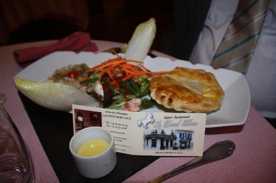 Restaurant Le Cheval Blanc: feuilleté st jacques