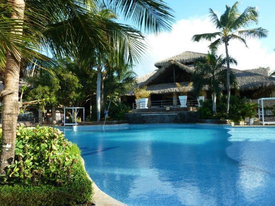 Viva Wyndham Dominicus Beach: Une piscine de l'hôtel