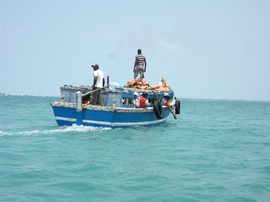 Nagadipa Purana Vihara: The boat