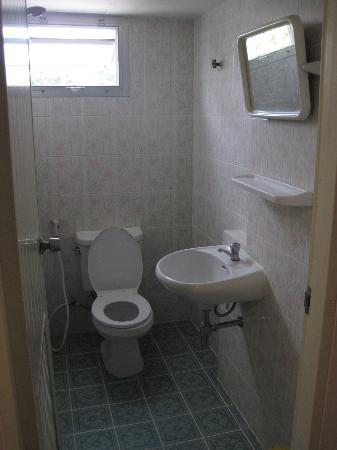 BELLA BELLA RIVERVIEW: Bathroom - spotless!