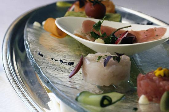 Sayad restaurant abu dhabi restaurant reviews phone for Ristorante cipriani abu dhabi