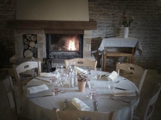 L'Embellie : Table au coin du feu