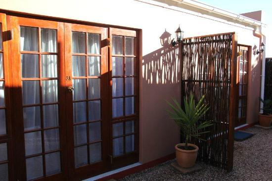 Gumtree Guest House : Cottage exterior